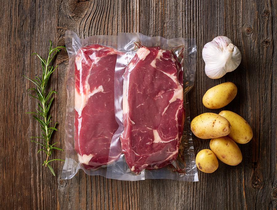 daging segar dikemas dalam kemasan higienis